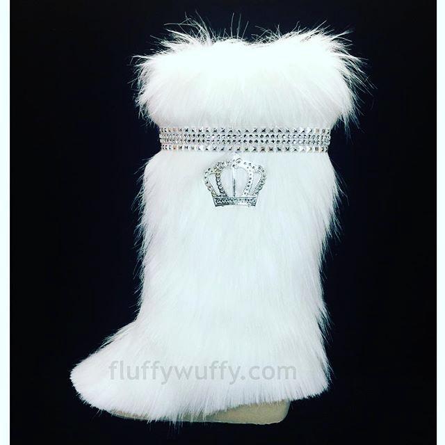 Crown \u0026 Gems Snow White Fur Boots